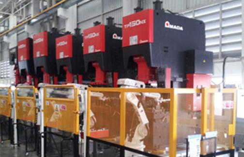 6軸ロボットプレスライン(TOTAL1,050トン)