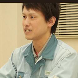 生産課 製缶係 係長/渥美圭佑 2003年入社